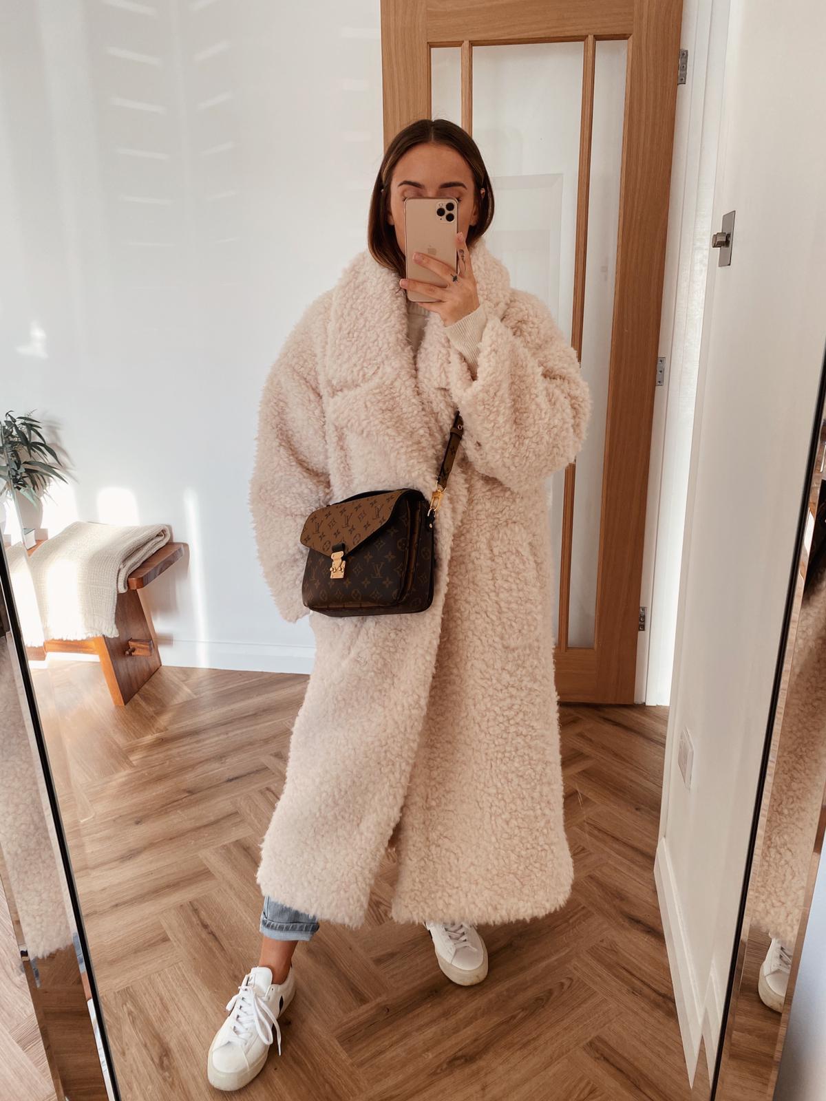 Suzie Bonaldi Outfits